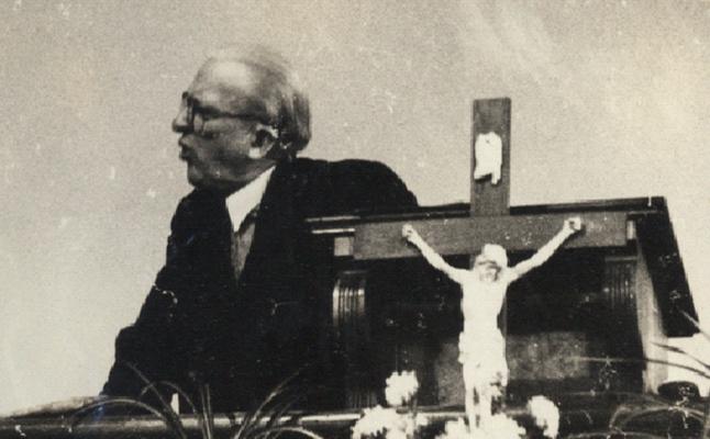 Oskar Bosse beim Vortrag