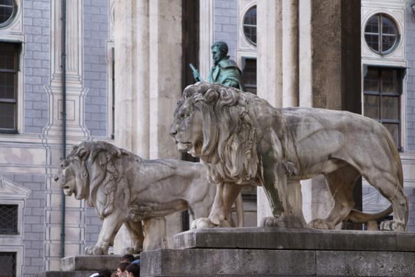Os leões da Odeonsplatz