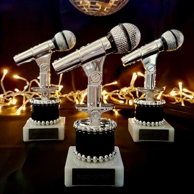 Mikrofone als Awards dürfen nicht fehlen