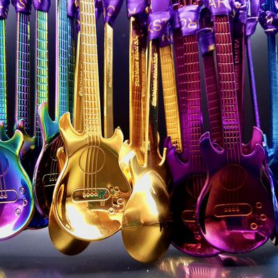 Gastgeschenke - rockige Gitarren passend zum Rockstar-Motto