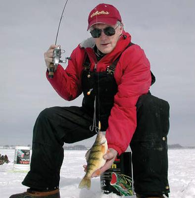 Eisangeln und Natur und Erlebnisse auf den Seen geniessen!
