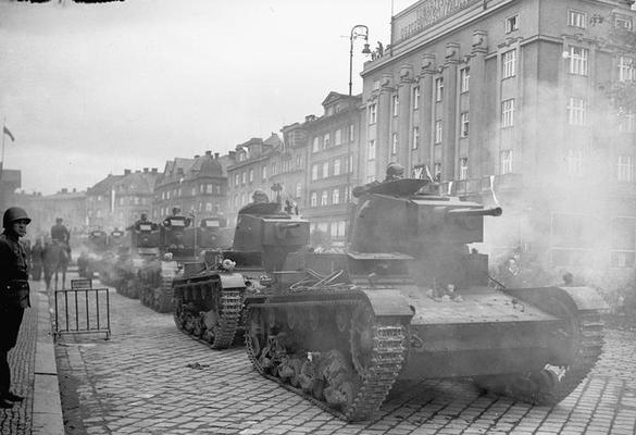 Польская армия, вслед за немецкой, оккупирует территорию Чехословакии, производит захват Тешинской Силезии. 1938