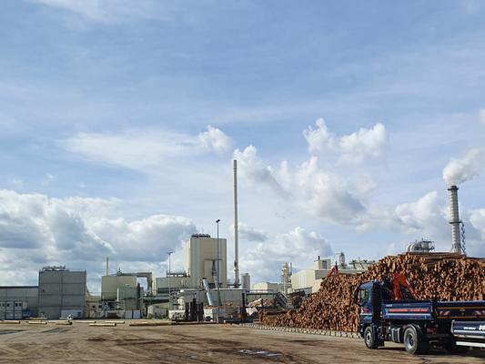 Blick auf eine Industrieanlage in der Prignitz.