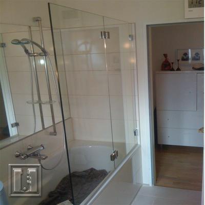 Badewannenaufsatz zum Falten / Referenz: Privathaushalt München / Glaserei Fischbach
