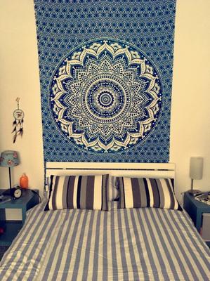 Ombrè Mandala Wandtuch in blau