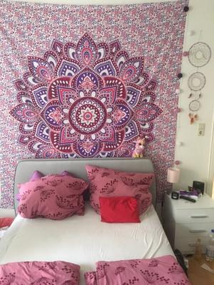 Mandala Wandtuch mit Lotusblüte in lila