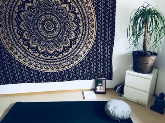Mandala Wandtücher wirken beruhigend auf den Geist. Perfekt also für den Behandlungsraum.