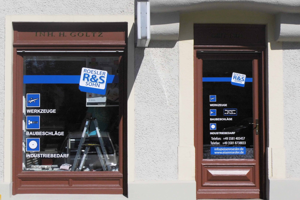 Schaufensterbeschriftung der Firma Rösler & Sohn