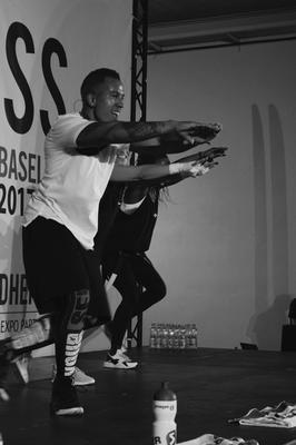 Simon Fitness on Stage