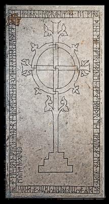 Grabstein mit Weltenbaum, Rad- und Hakenkreuz, Lye, Gotland, 14. Jahrhundert