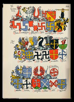 Durch den völkischen Heraldiker Bernhard Koerner erstellte Tafel mit Wappen, die Varianten des Hakenkreuzes zeigten, 1930. In der oberen Reihe an vierter Stelle das Wappen der Familie Raven.