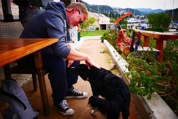 Oxygen-Pub in der Kaş-Marina. Hunde willkommen!