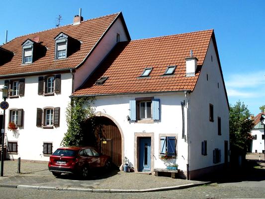 """Beucksches Haus, Scheunenanbau von 1727. Heute residiert hier """"'S Lädche"""""""