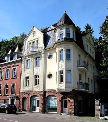 Wohn- und Geschäftshaus von 1911