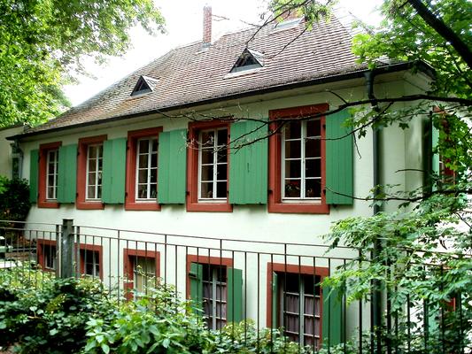 Historische Tabaksmühle um 1810 heute Sitz des Restaurants Tabaksmühle