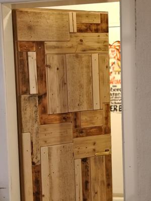 Selbst die Türe zum Bad blieb nicht verschont