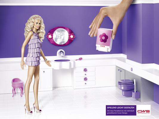 Miniaturbad und Handtuchspender