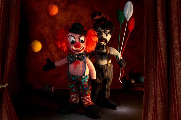 Clowns, Figuren-Design, Gestricktes sowie Foto: Claudia Schildt