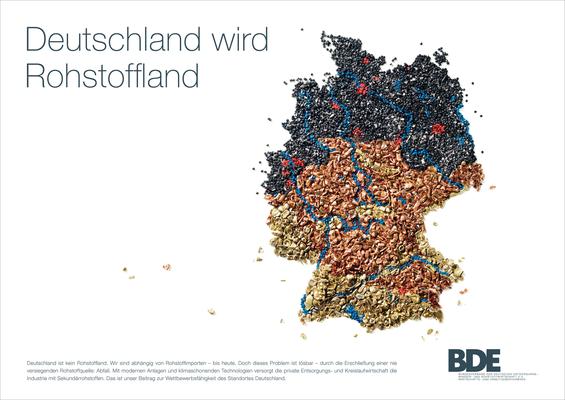Granulat-Bild, Bund deutscher Entsorgungs,-Rohstoffwirtschaft, gestreute und verklebte Granulate, Glas und Metall, Foto: R. Schmuck