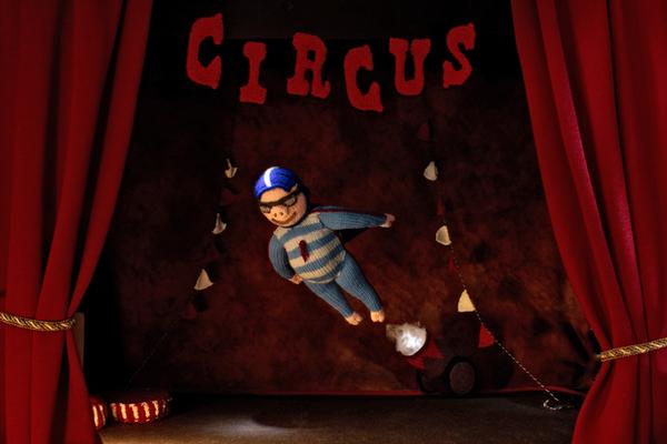 Fliegendes Schwein,  Figuren-Design, Gestricktes sowie Foto: Claudia Schildt