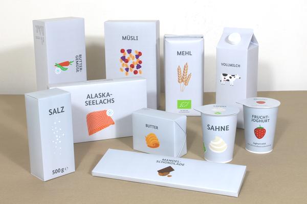 Grüne Woche Berlin , vergrößerte Verpackungsdummies mit flüssigen, festen und weichen Inlays