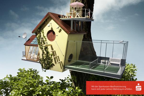 großer Vogelkasten mit Miniaturanbauten