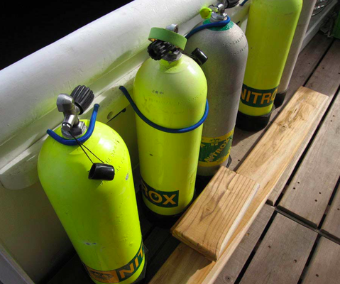 Nitrox dive tanks on the dive platform of the vessel Seahunter in Cocos Island,© Seahunter Group