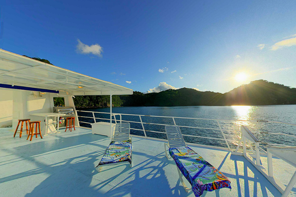 Sundeck of the ship Seahunter in Cocos Island, ©Unterseahunter Group