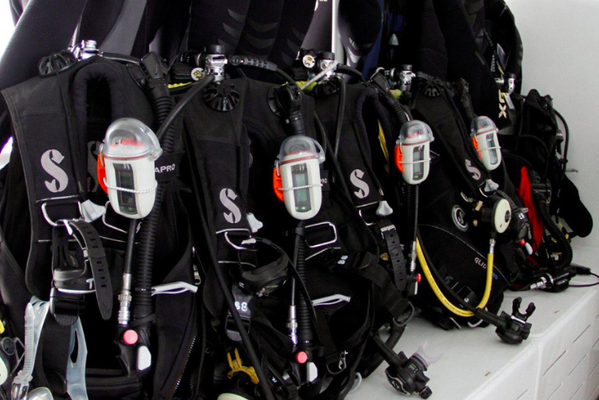 Dive equipment on the dive platform of the vessel Seahunter in Cocos Island,© Seahunter Group