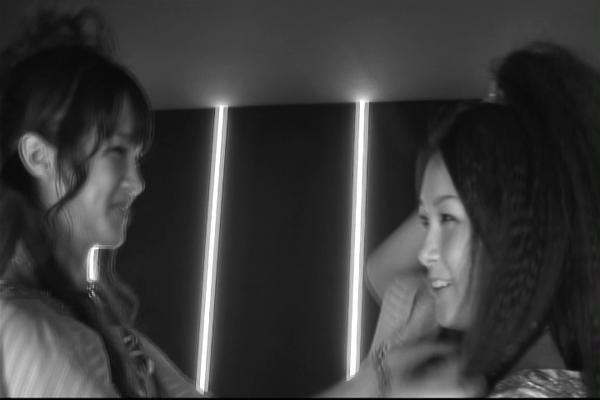 Ja Robin, das hättest du gerne - aber ZU spät! Yurika ist längst schwer in Aina verliebt zu dem Zeitpunkt! :P