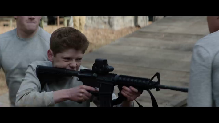 """""""Tank"""" flippt aus, macht """"die Dorothy"""" - Er richtet seine Waffe auf """"Teacup"""" und """"Nugget"""" (wird im Film zum Glück NIE so genannt) und droht sie zu erschießen."""