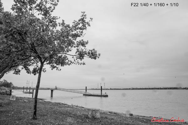 (Noir et blanc) Le port en amont de la Dordogne. Bourg-sur-Gironde, samedi 26 septembre 2020. Photographie HDR © Christian Coulais