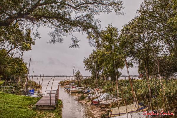 Roque de Thau, port estuarien de la Gironde. Villeneuve, samedi 26 septembre 2020. Photographie HDR © Christian Coulais