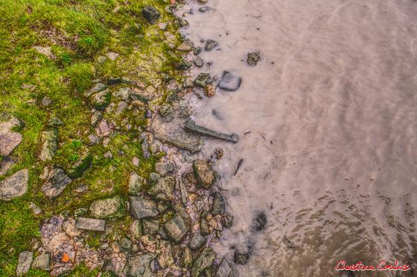 Roque de Thau, entre rive et estuaire de la Gironde. Villeneuve, samedi 26 septembre 2020. Photographie HDR © Christian Coulais