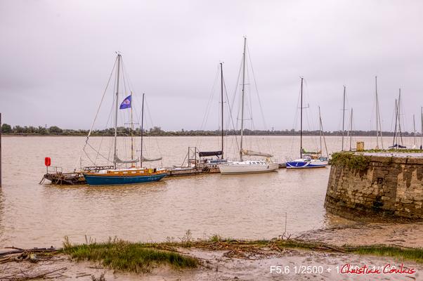 Le port de plaisance à Bourg-sur-Gironde, samedi 26 septembre 2020. Photographie HDR © Christian Coulais