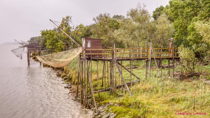 Carrelet à Roque de Thau, port estuarien de la Gironde. Villeneuve, samedi 26 septembre 2020. Photographie HDR © Christian Coulais