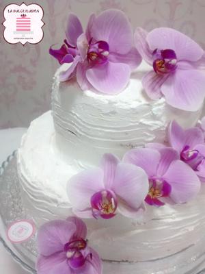 Tarta de boda sin fondant. Tartas de boda en Cartagena y Murcia. Pastel de boda con flores