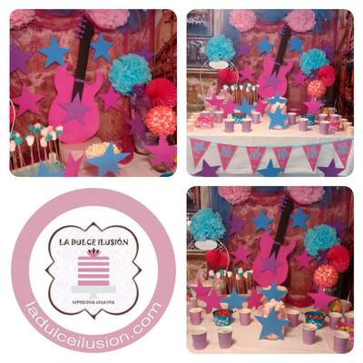 Mesa dulce comunion en Cartagena. Candy bar comunion en Cartagena. Tarta de comunion, decoracion musica, guitarra, rock and roll, cupcakes, cakepops, cookies, bagel, golosinas, decoracion rosa y azul. La dulce ilsuion