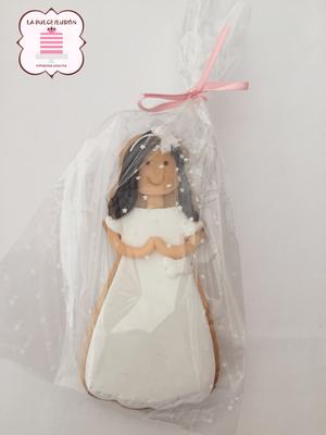 Galletas de niña de comunión con fondant. Galletas decoradas de comunión en cartagena, murcia, la dulce ilusion