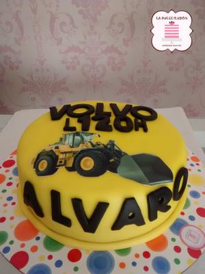 Tarta de fondant tractor amarillo. Tarta de fondant original