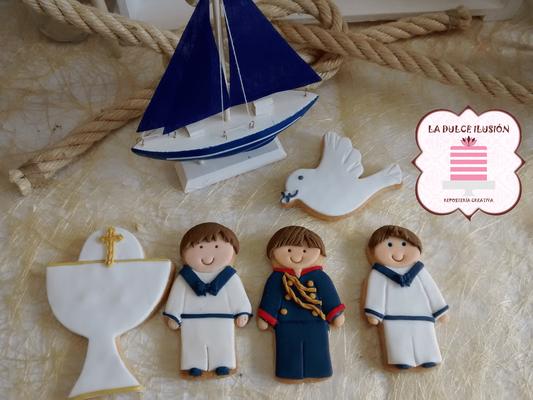 Galletas de comunión niño con fondant. Galletas de comunión marinero. Galletas decoradas de comunión en cartagena, murcia, la dulce ilusion