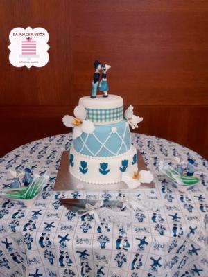 Tarta de boda personalizada de 3 pisos con decoración azul elegante. Tartas de boda en Cartagena, Murcia. Tarta de boda espectacular.