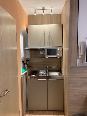 Moderne Miniküche bei Elodie Serviced Apartments in Vaterstetten bei München