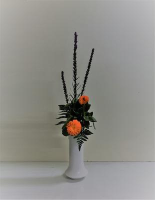 2019.3.13 <リアトリス 金盞花(キンセンカ) レザーファン> Rikuくんの作品です。花瓶に「たてるかたち」2回目。
