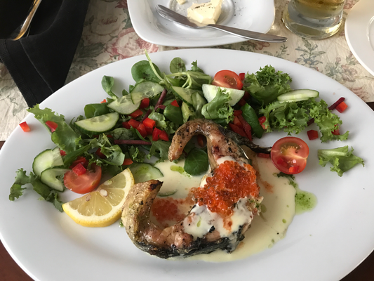 "Narva-Jõesuu: Gutgehen lassen im Strandrestaurant ""Maretare"""