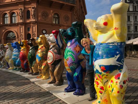 Riga: Ausstellung Buddy Bears auf dem Domplatz
