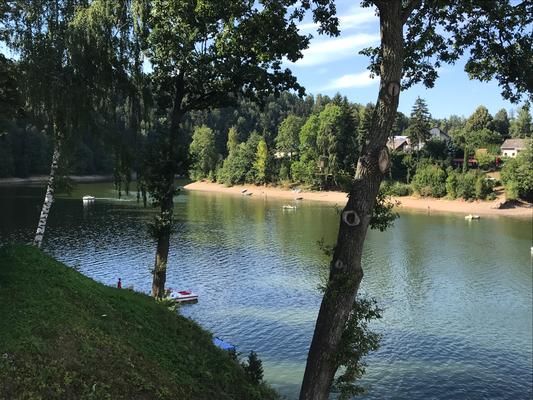 Tretbootvergnügen auf dem Pastviny-See an der Landstraße 312