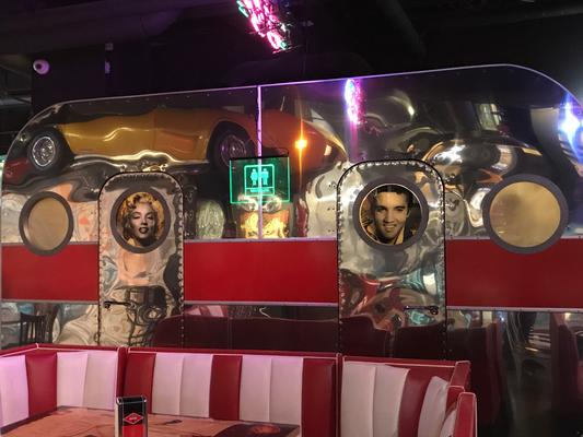 Riga: bei Elvis in den 50ern
