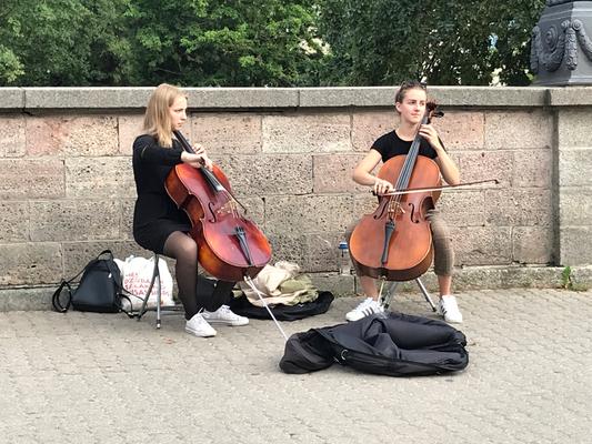 Riga: Überall erklingt Straßenmusik