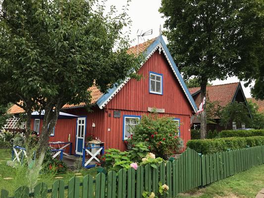 Nida: typische litauische Holzhäuser